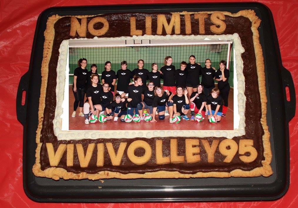Torta Vivivolley e ragazze No Limits